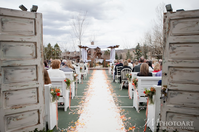 cloud 9_a design resource_vintage ceremony-ranch wedding (800x533)