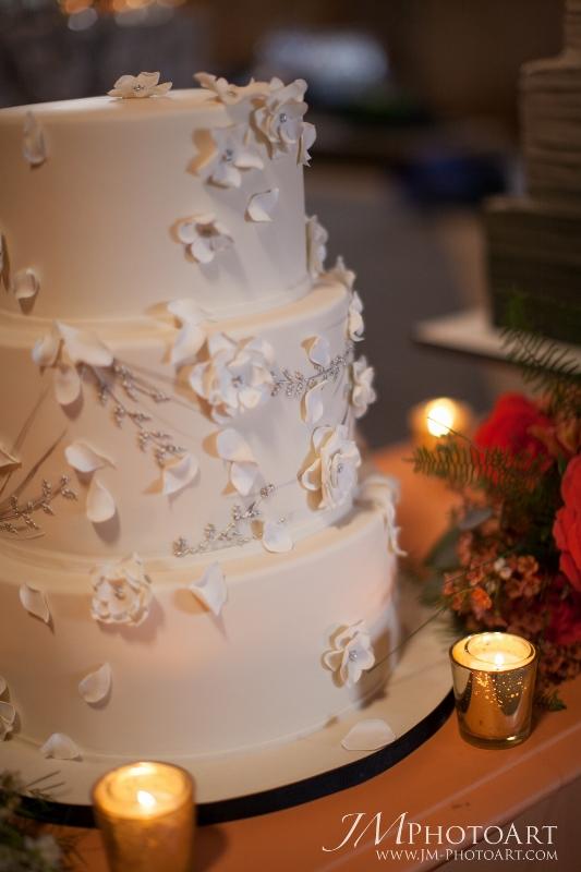 cloud 9_cake heads_floral wedding cake (533x800)
