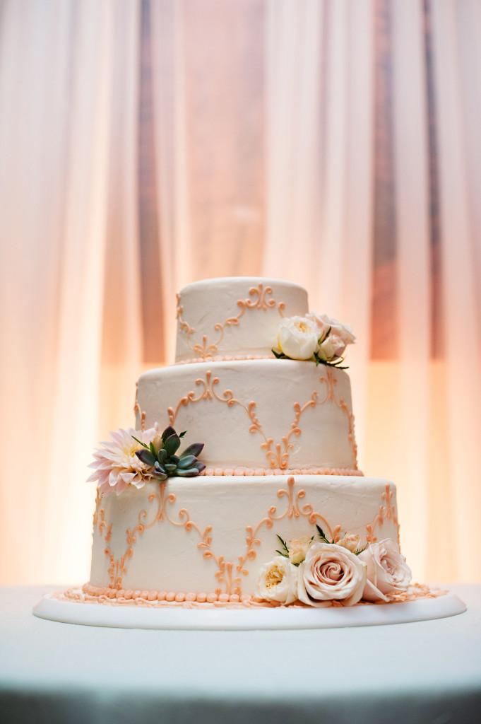Das Meyer_Wedding Cake_Cloud 9