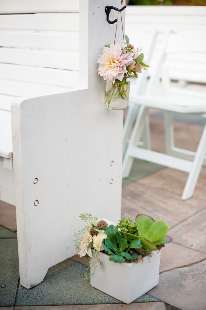 ceremony flowers_ceremony pews
