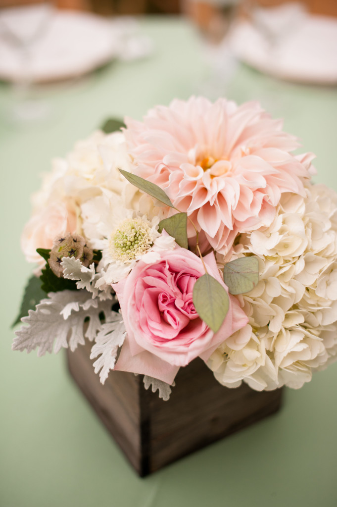 dahlia_pale pink wedding centerpiece_plum sage_flowers_cloud 9