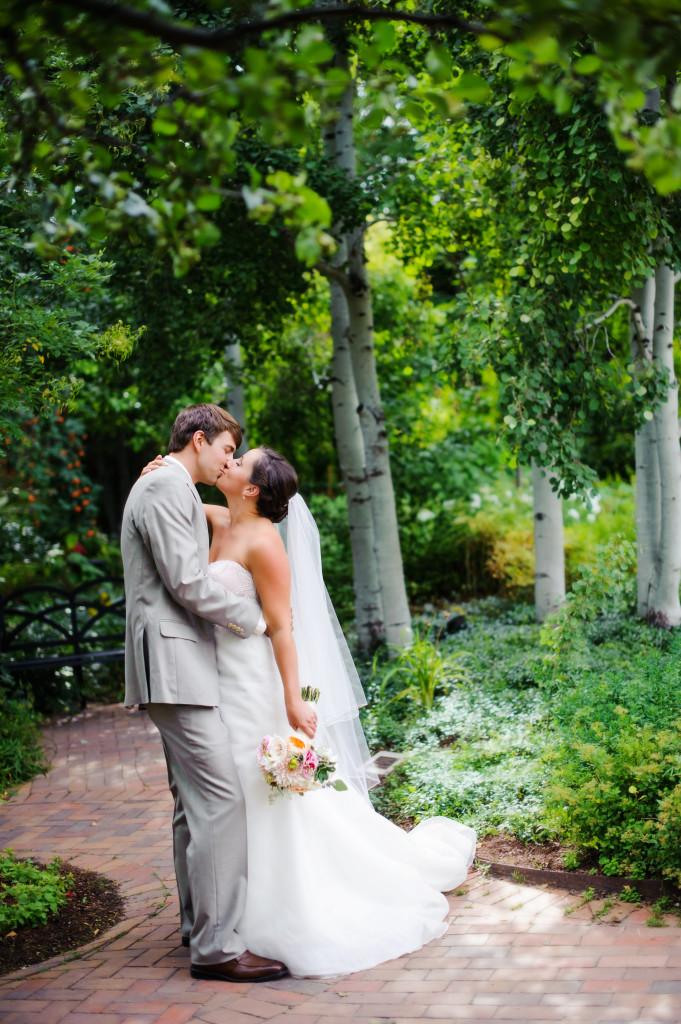 denver_botanic gardens_kiss