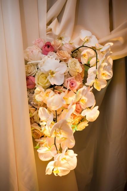 orchid altar floral piece_cloud 9_swank stems (427x640)